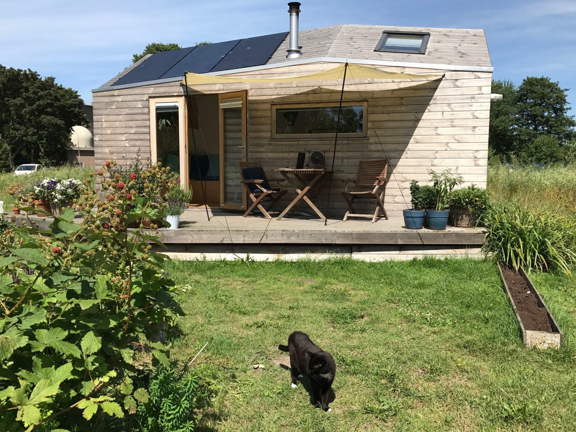 off grid solar in a tiny house u2013 marjolein in het klein